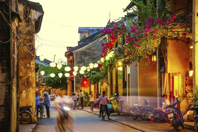 Königsstädte und Naturwunder Indochinas